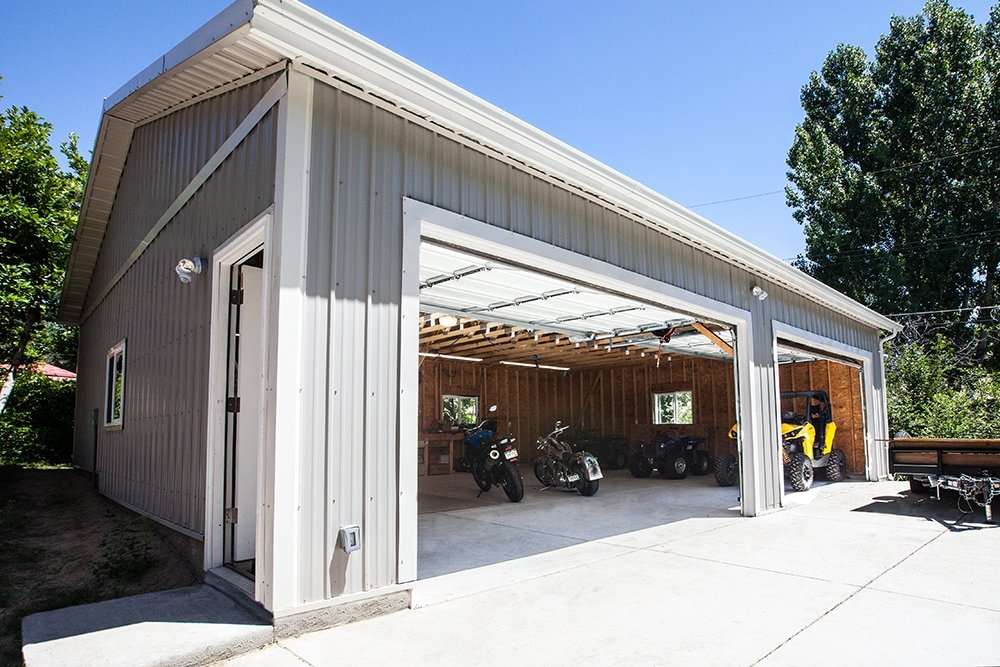 Large garage piche building design for Labor cost to build a garage